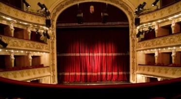 Színház-pedagógiai program középiskolásoknak