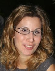 Pócza Lilla művészetterapeuta, grafikus - iparművész.