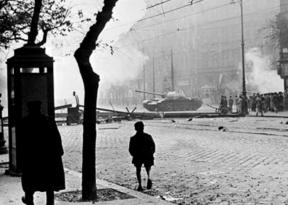 Szovjet tank Budapesten, 1956.