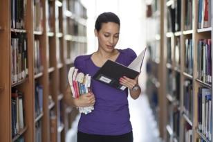 nő könyvtár